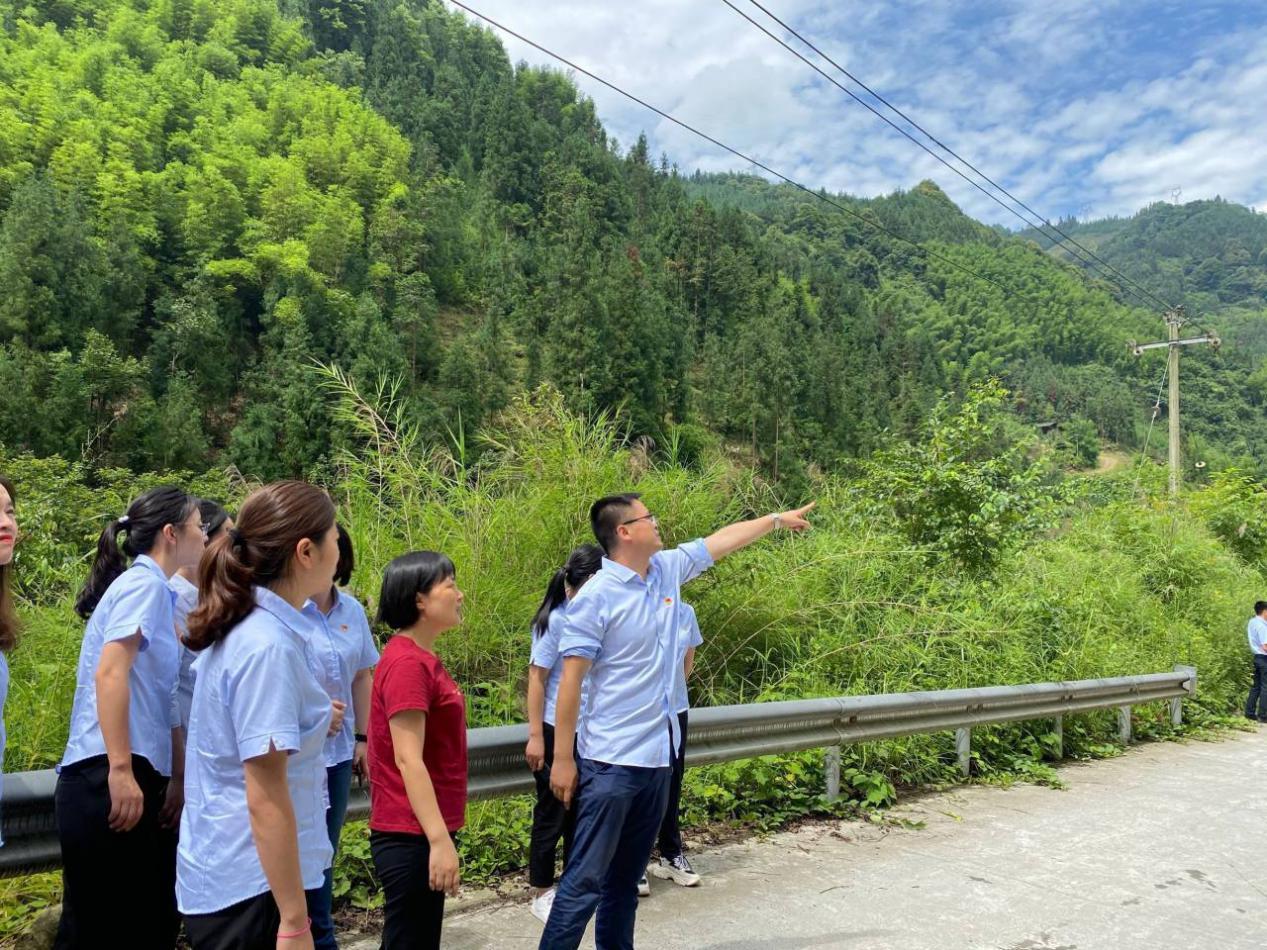 四川交建:重走4·20抗震救灾路线 凝聚力量共赴红色之旅