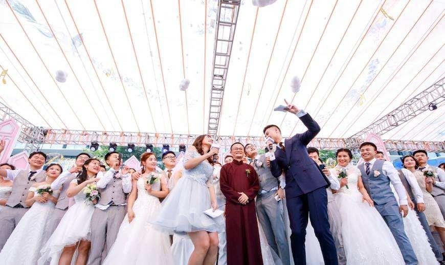 马云主动在阿里集体婚礼做证婚人,告诫家人都要加班不用请假