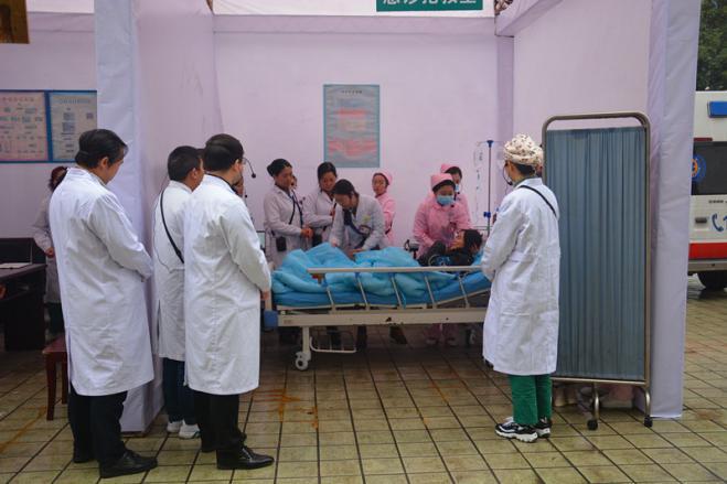广元市第一人民医院成功举行2019年市级危重孕产妇、危重新生儿救治演练