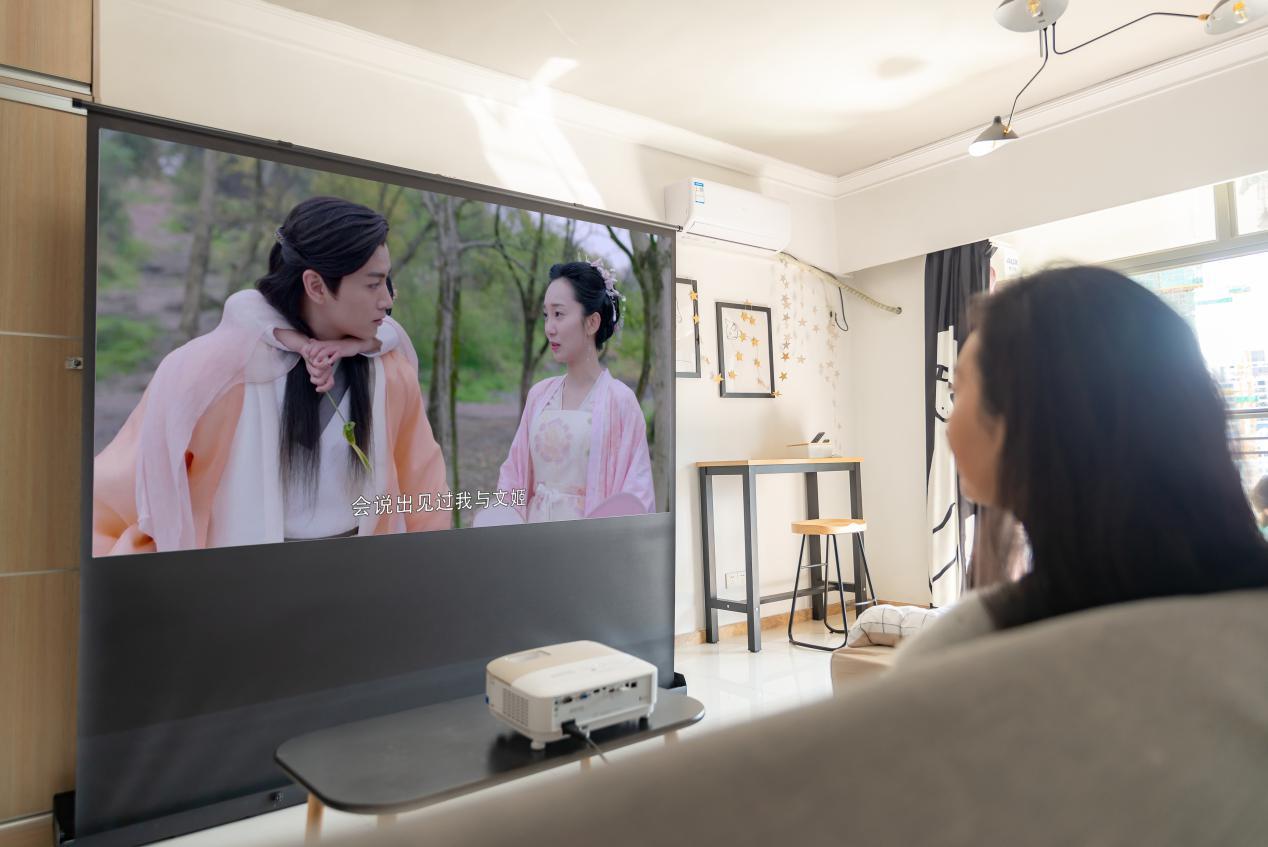 专业基石 明基智能色准家用投影机i707的丰富应用-视听圈