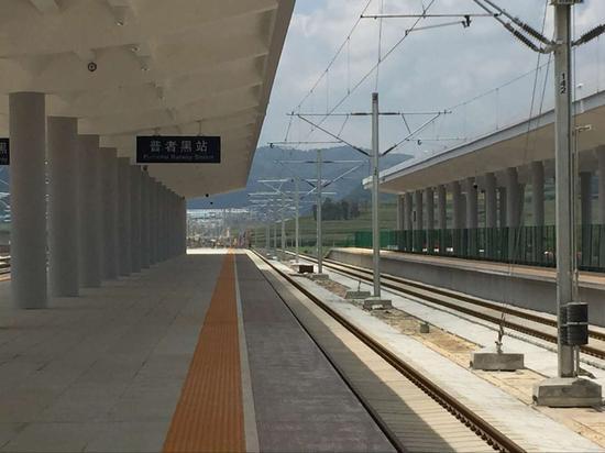 新站台仅在9小时建完,1500名工人创造中国速度